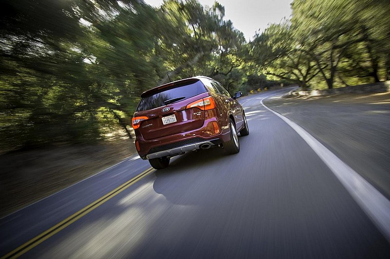 2014 Kia Sorento arrives in Los Angeles [video]