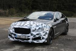 2015 Jaguar XJR facelift spy photo