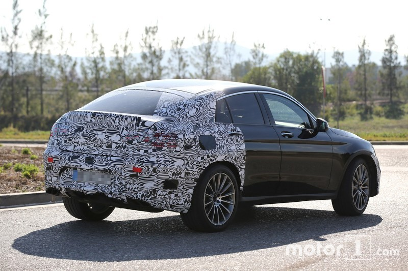 mercedes benz glc 450 coupe spotted for first time mercedes glc forum. Black Bedroom Furniture Sets. Home Design Ideas